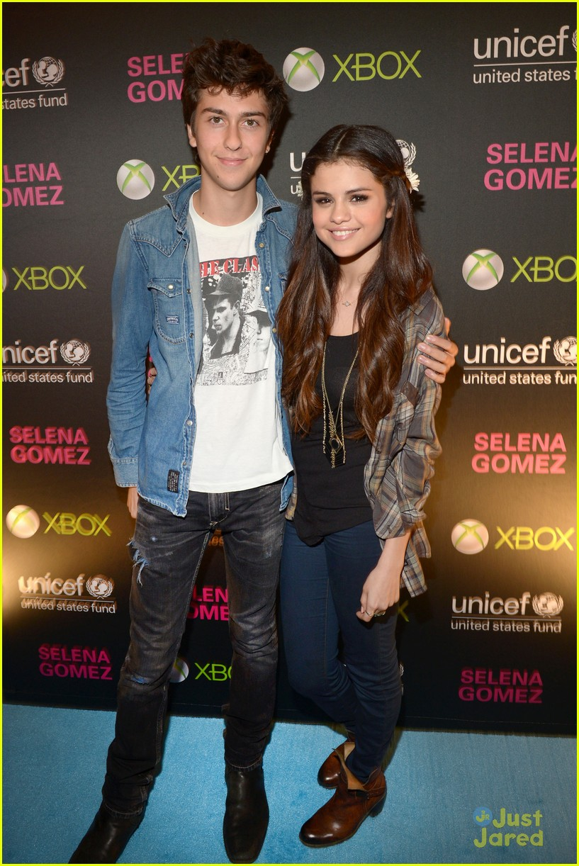 UNICEF Ambassador Selena Gomez hosts her 3rd Annual Acoustic Charity Concert for UNICEF
