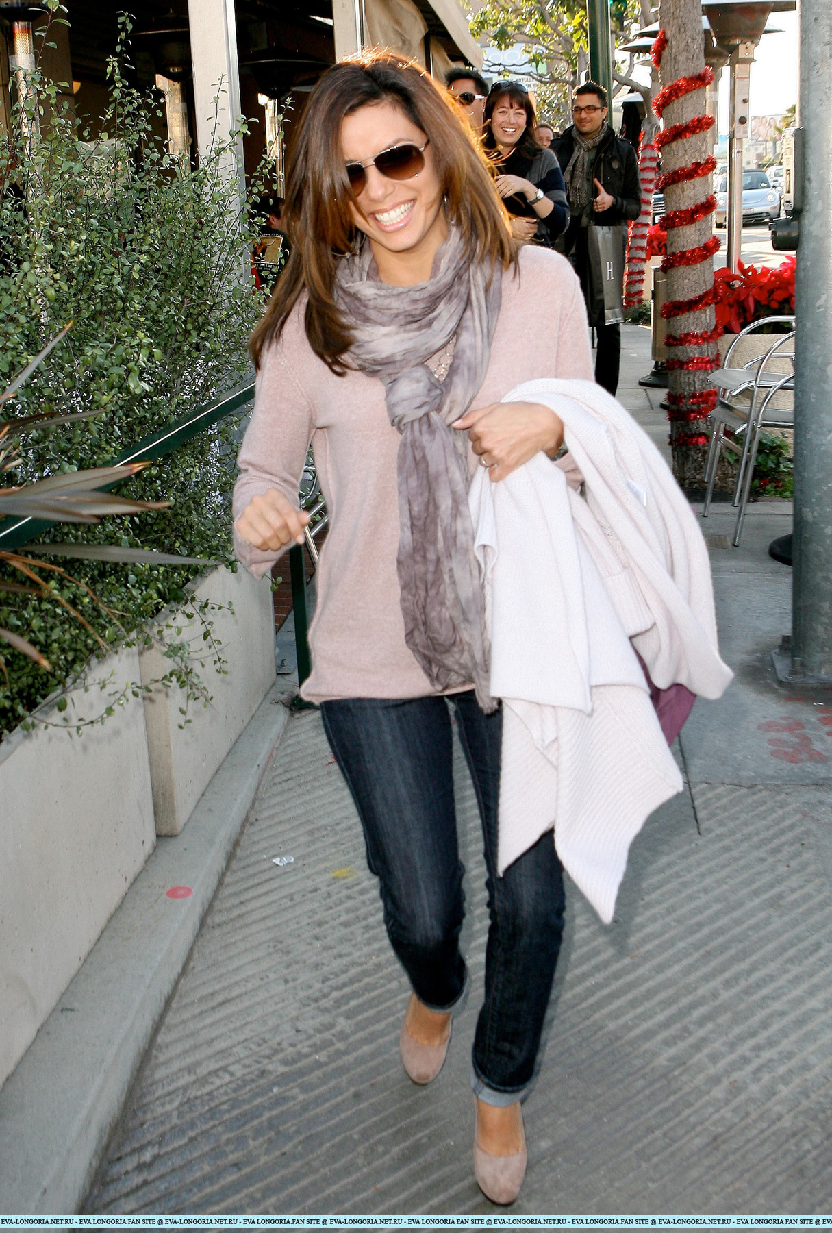 [my 39k] Eva Longoria out and about in Hollywood CELEBUTOPIA