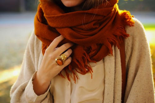 voluminous-scarf-for-fall
