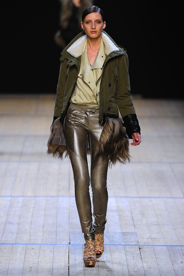 1345214686_womens_jackets_parks_autumn_winter_2012_2013_in_the_collections_of_fashion_houses_10