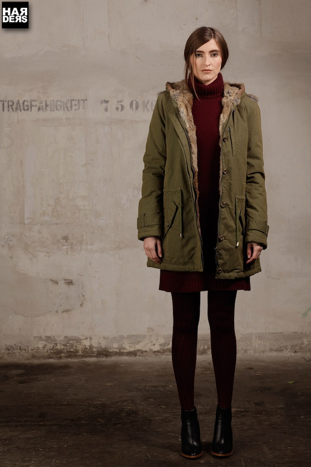 blog-iq-berlin-parka-fell-pelz-oliv-puder-military-mantel-coat-harders-online-shop-store-fashion-designer-mode-damen-herren-men-women-pre-kollektion-fall-winter-herbst-2013-2014