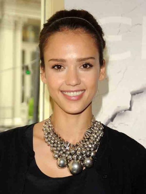 Jessica+Alba+Statement+Necklace+Silver+Statement+SnvCwXFVUQXl
